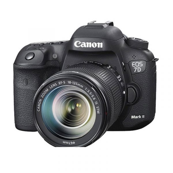 CANON - Digital EOS 7D Mk II lens 18-135 + W-E1